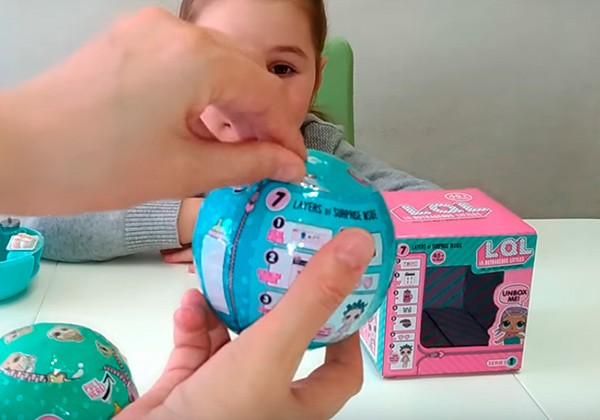 Отличие упаковки куклы lol