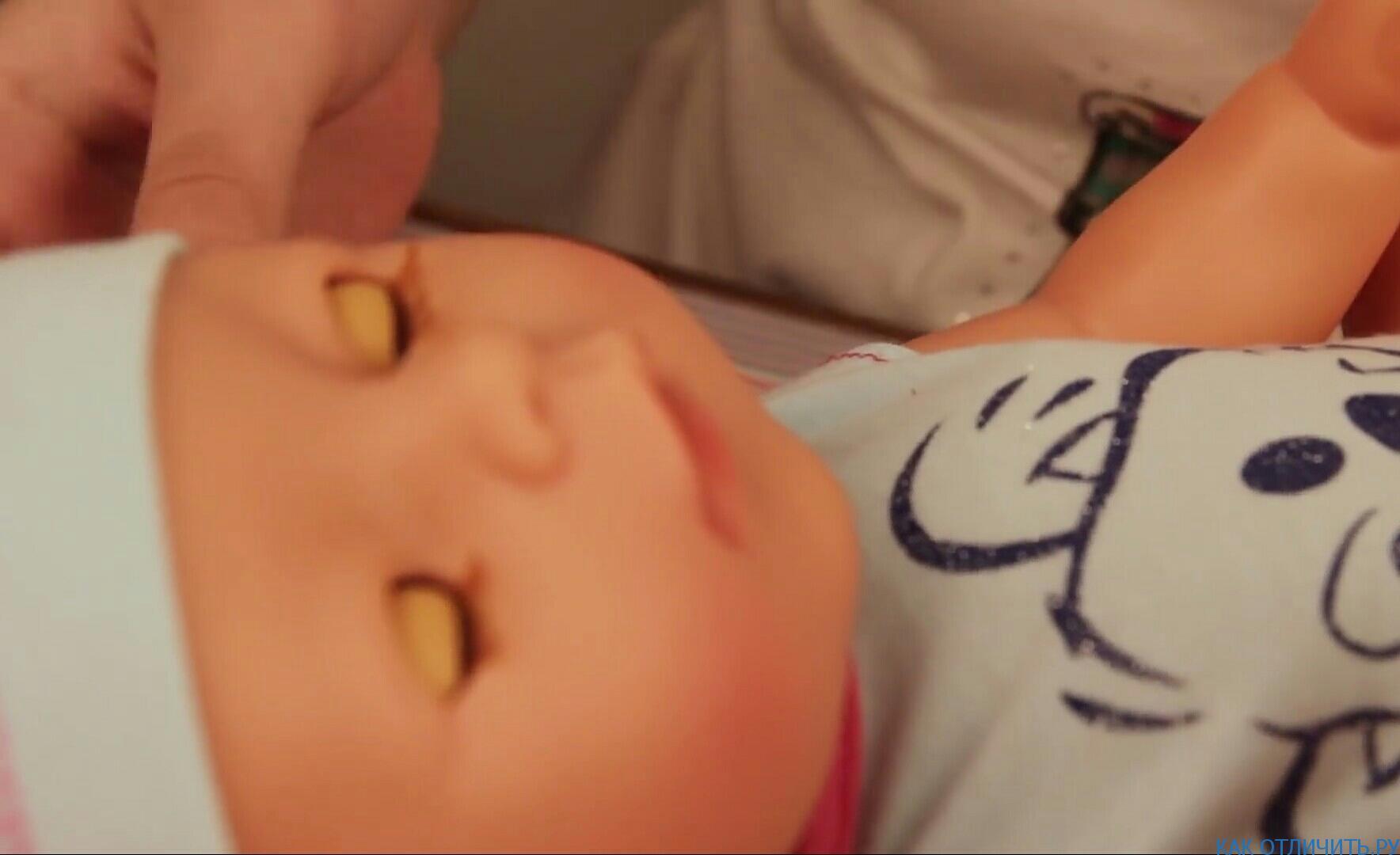 Ресницы у оригинальной куклы